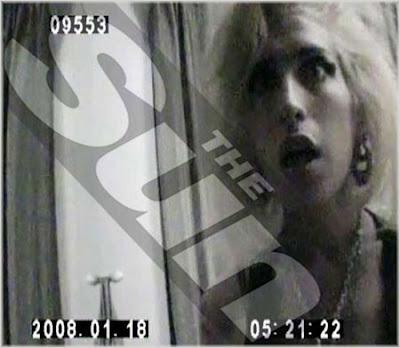 Amy Winehouse Caught Smoking Crack