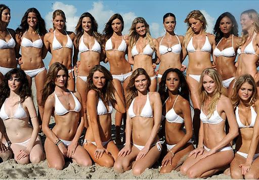 OMFG hot chicks on the internetz!!!