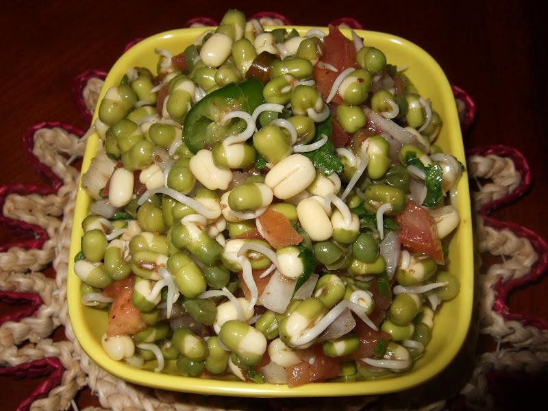 Sprouted Moong Dal Chat ( Green Bean sprouts salad) title=