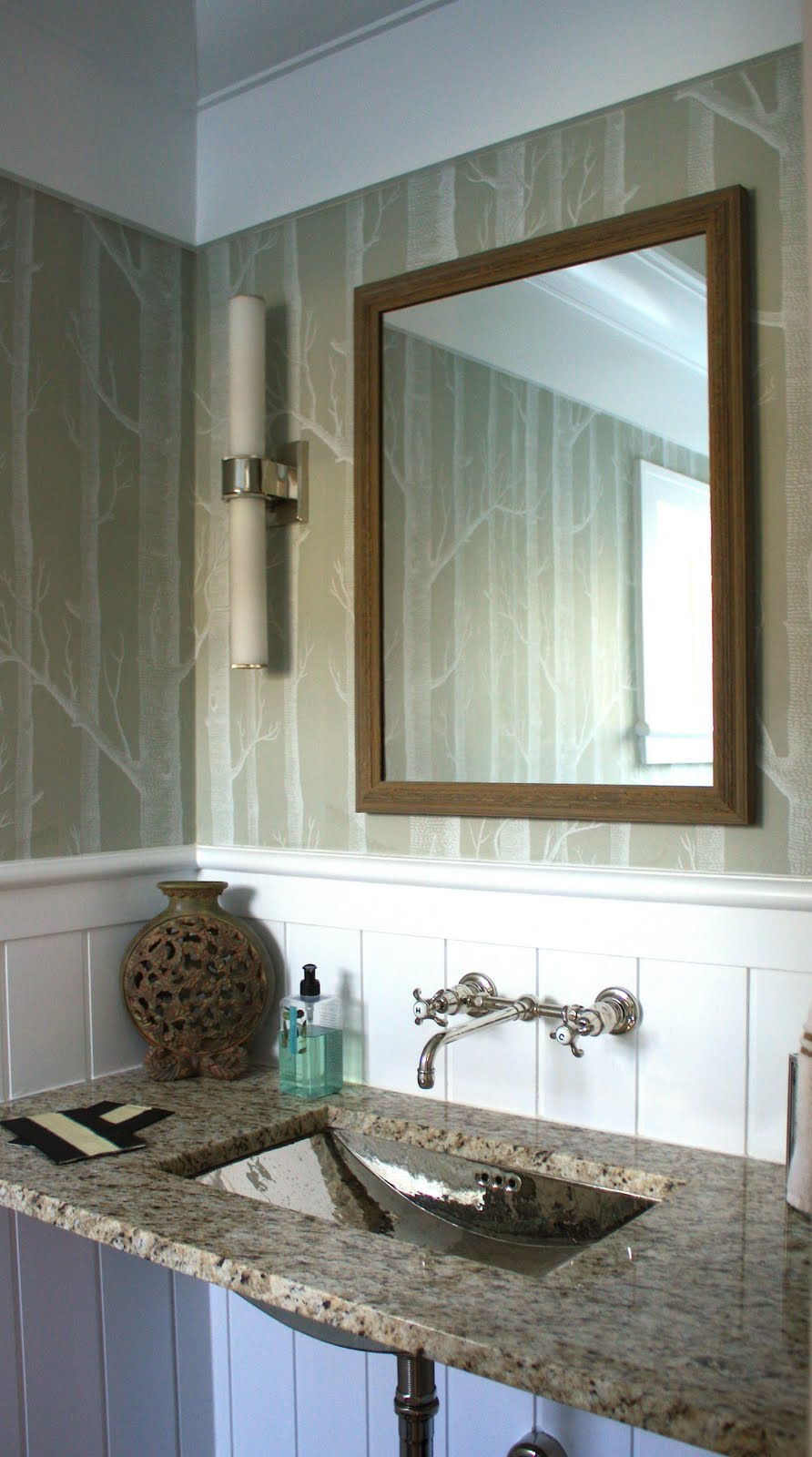 New small bathroom ideas photo gallery 2012 screen media for Small bathroom designs 2012