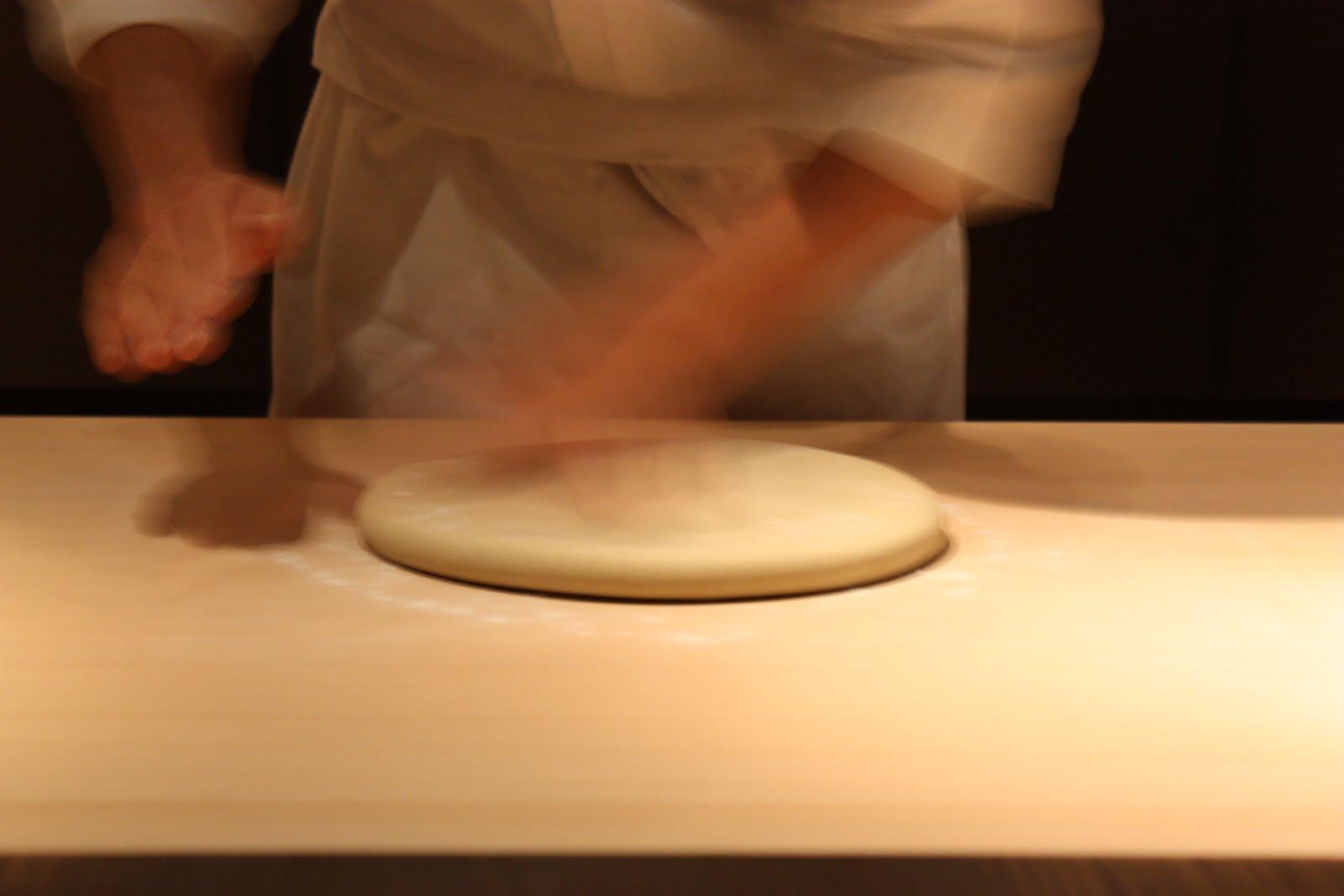 http://4.bp.blogspot.com/_O8giQlzAuF8/S8JLVuI1-yI/AAAAAAAAAc4/nplKSQAVz5k/s1600/121709_Kyoto_Soba_Making+(c)+Deanna+Ting.JPG