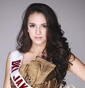 nadine-alexandra-putri-indonesia-2010-02.jpg
