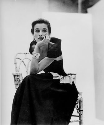 Babe Paley 14.+babe-paley-vogue+1946