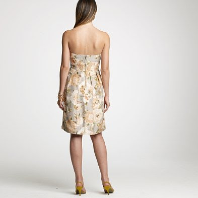Floral Dress on The Back Of The Floral Print Dress