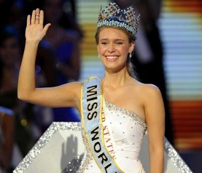 Foto Bugil Miss World 2010, skandal foto bugil Miss World 2010 , Foto bugil Alexandria Mills , foto telanjang Miss World 2010