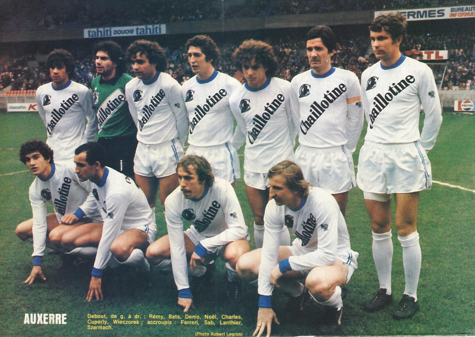 PRESENTEZ-VOUS POUR MIEUX SE CONNAITRE  - Page 3 AJ+Auxerre+1980-1981