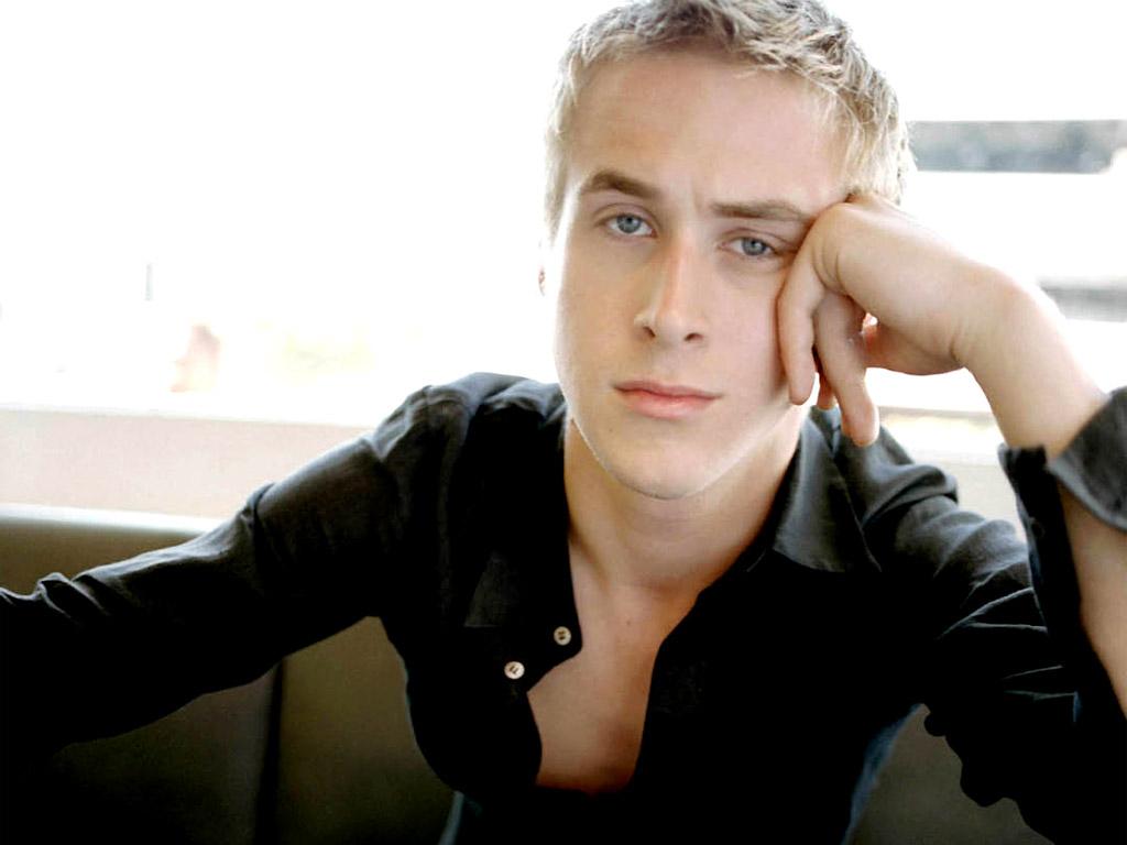 http://4.bp.blogspot.com/_OCqkLEeb7MU/TN2cgLahBPI/AAAAAAAAEKM/OrMWjImTlYU/s1600/ryan_gosling_modeling_-6279.jpg