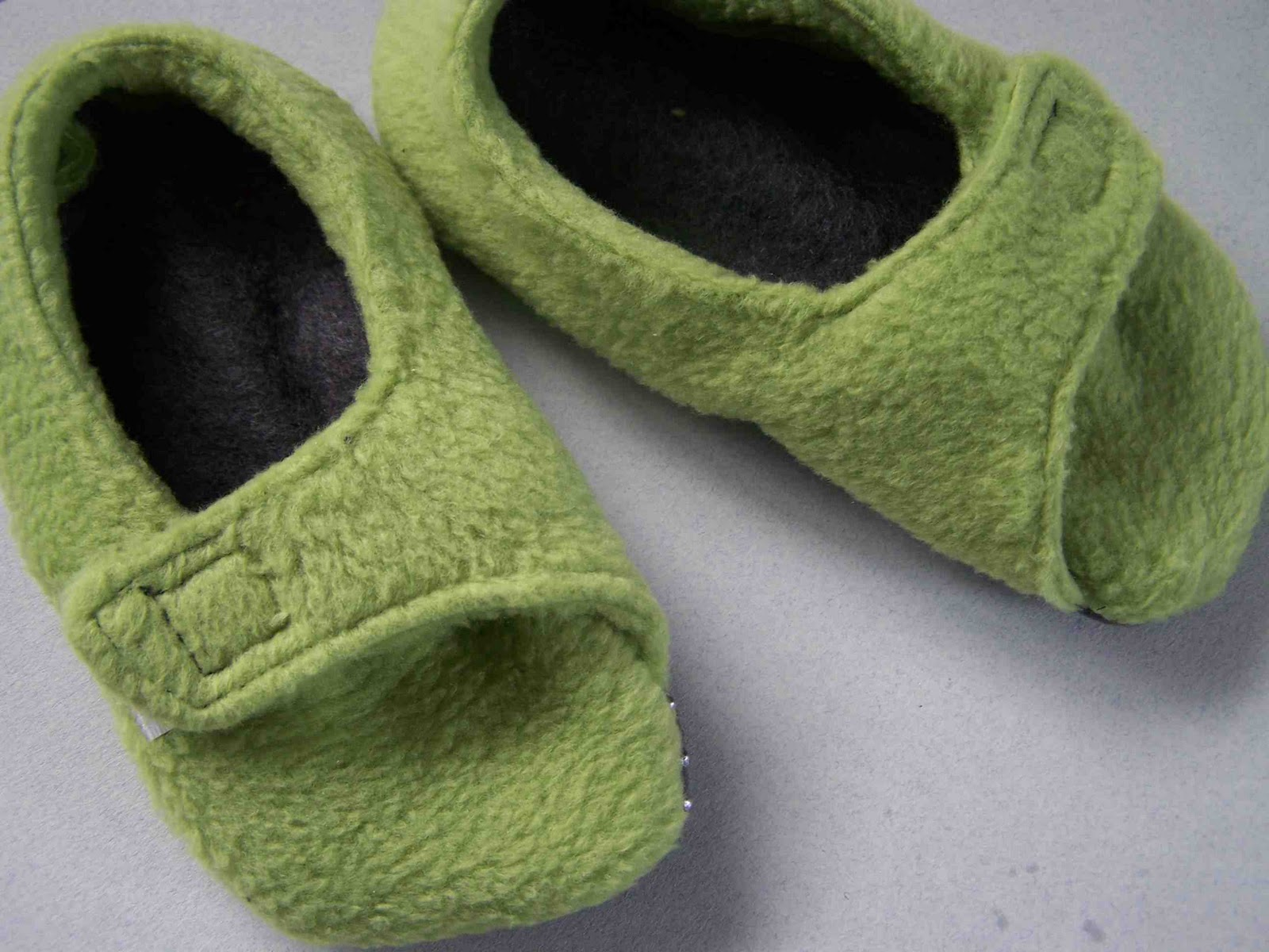 Made by Me. Shared with you.: Fleece Toddler Slippers Tutorial and ...