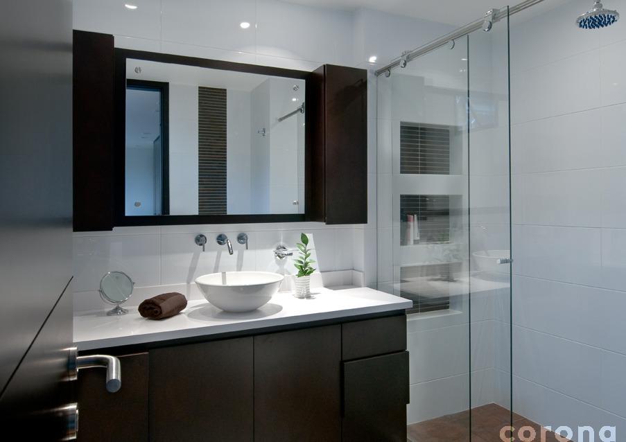 Baños Modernos Corona:Una apuesta de Hipercentro Corona: claridad y limpieza en el baño