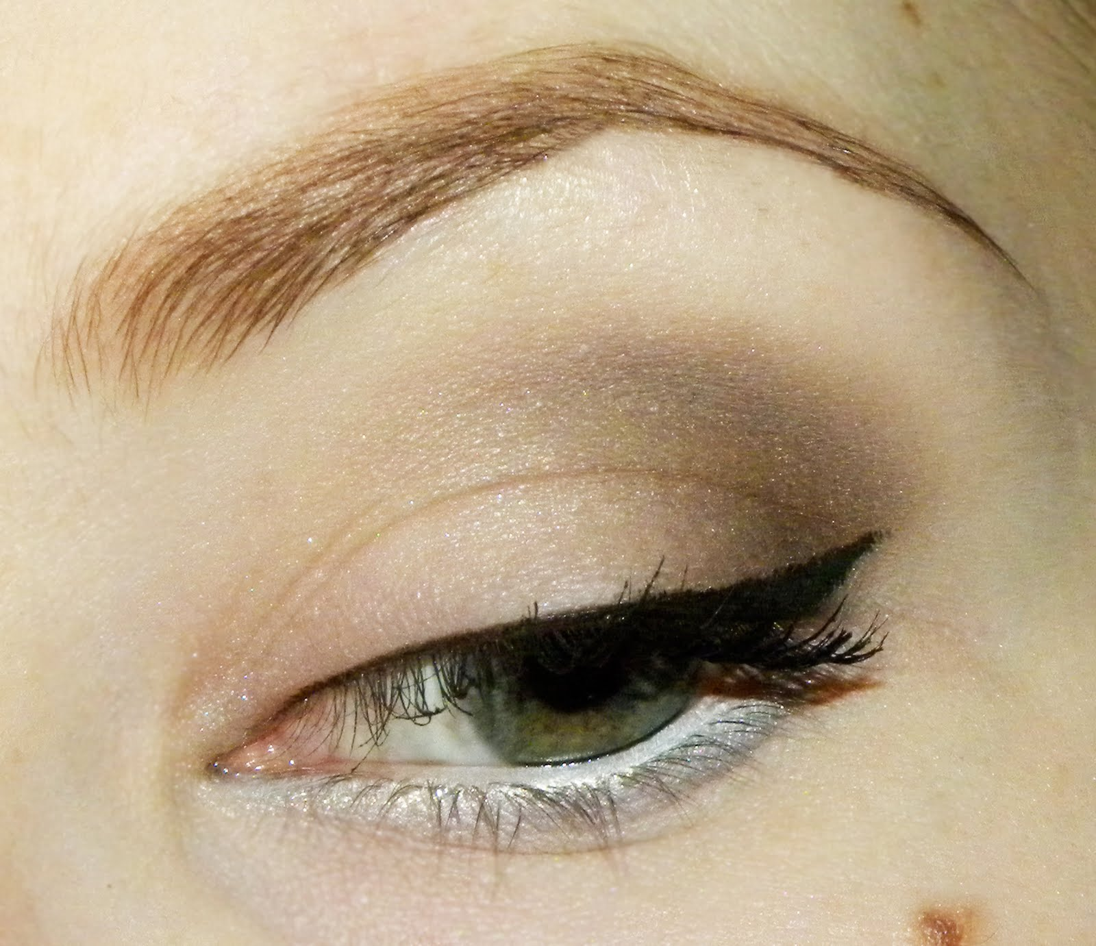 How To Apply Smoky Eye Makeup Red With Green Eyes Opposites Attract Make Up  How To