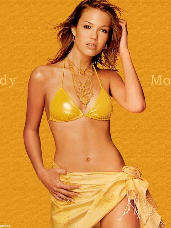 Mandy Moore Fashion Style Image