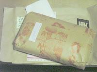 大塚屋から届いた布の包み