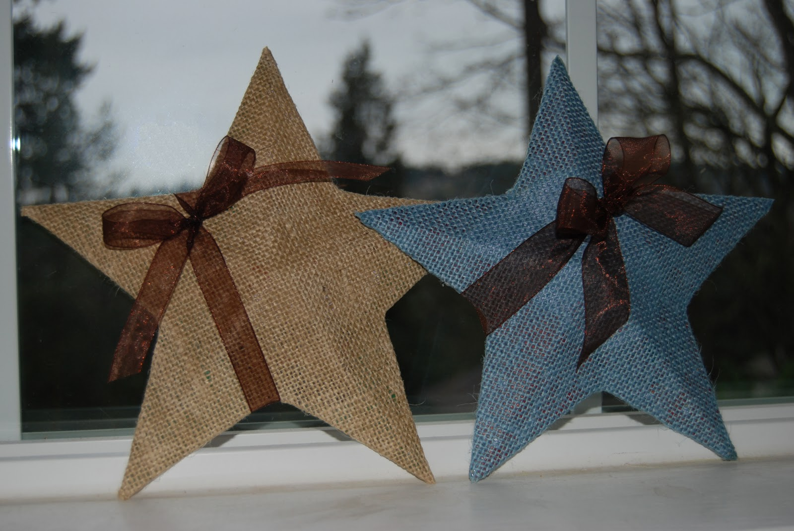 Nap time crafts burlap stars for Crafts made with burlap