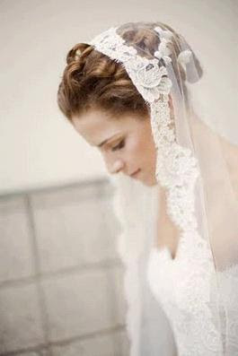 the-mantilla-veils-bridal-headpieces-lac