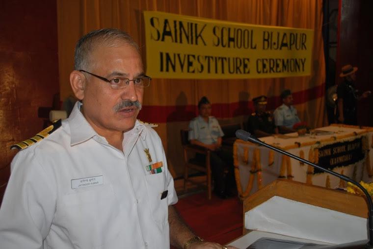Principal Captain (IN) Jatinder Kumar welcomes the gathering