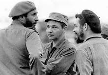 Fidel, Raul e Che Guevara logo após a vitória da Revolução Cubana