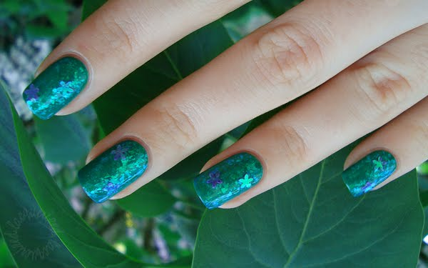green springtime manicure simple manicure nails in green lacquer nail art manicure with decoration green nail polish green manicure decorative nails