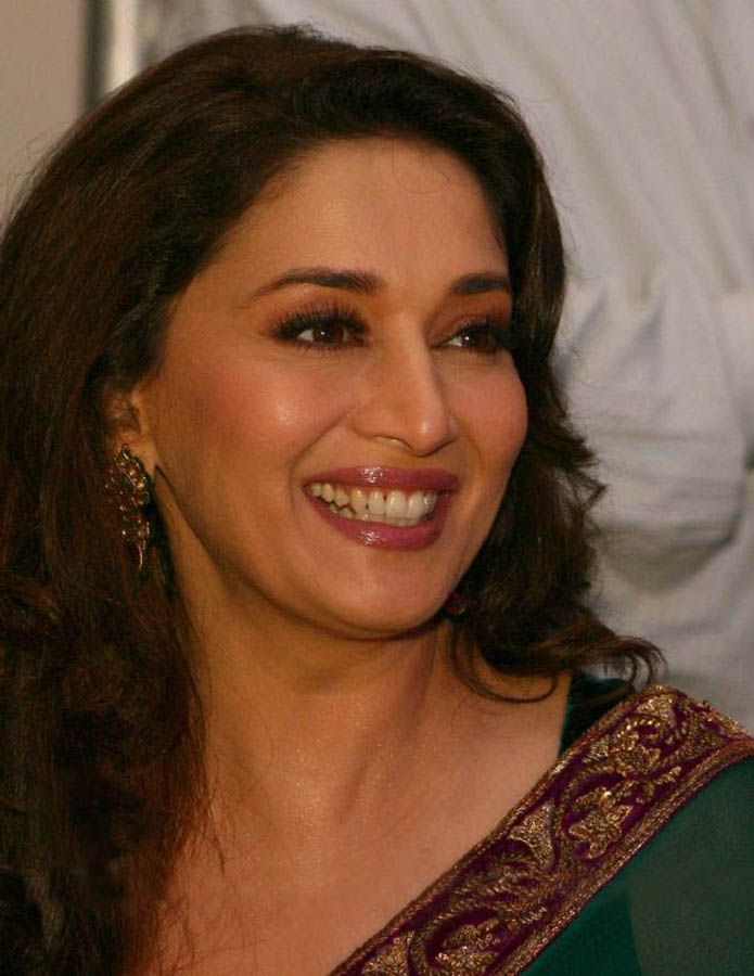 Madhuri Dixit in green saree - Madhuri Dixit in Green Saree - Latest Stills