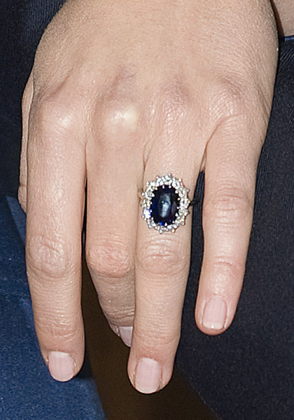 Prince+William+And+Kate+Middleton+Engagement+Ring+Cost