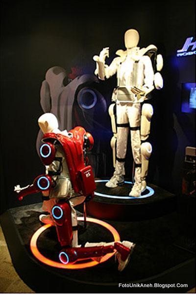 Baju robot Yang Dikenakan Layaknya Baju