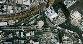 Satu-satunya Gedung di Jepang yang Ditembus Jalan Tol