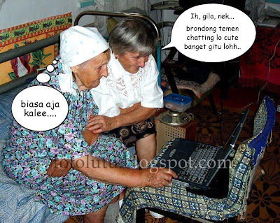 Kumpulan Foto Lucu: Nenek-Nenek Centil
