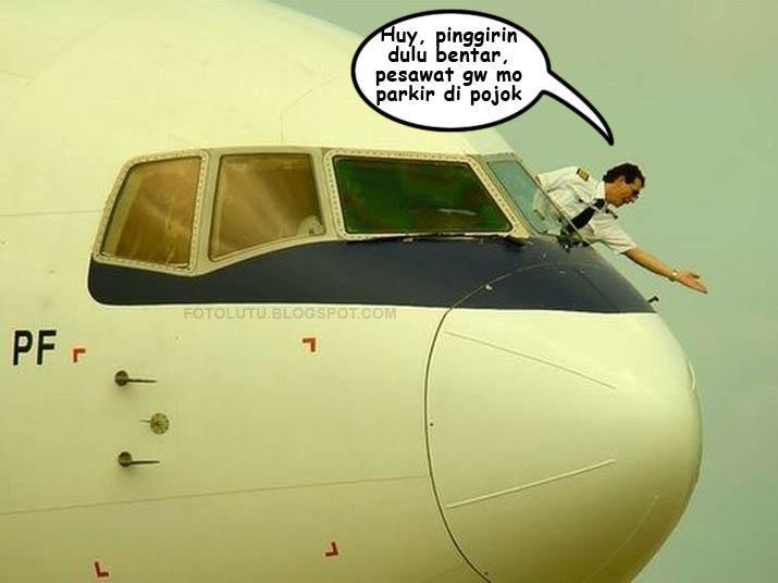 Minggir, Pesawat Mau Parkir Di Pojok