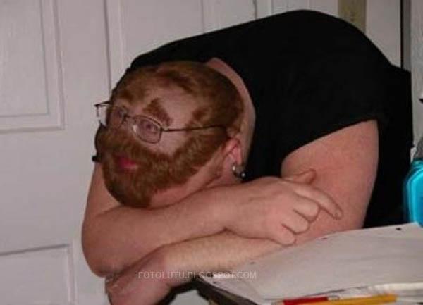 Jangan Ketiduran Kalo Punya Temen Yang Tegaan