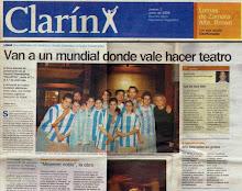 """Clarín - """"Van a un mundial donde vale hacer teatro"""""""