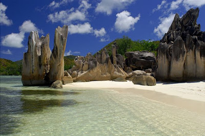 Travel Into World Seychelles In Africa One Of The Most Beautiful Places In The World