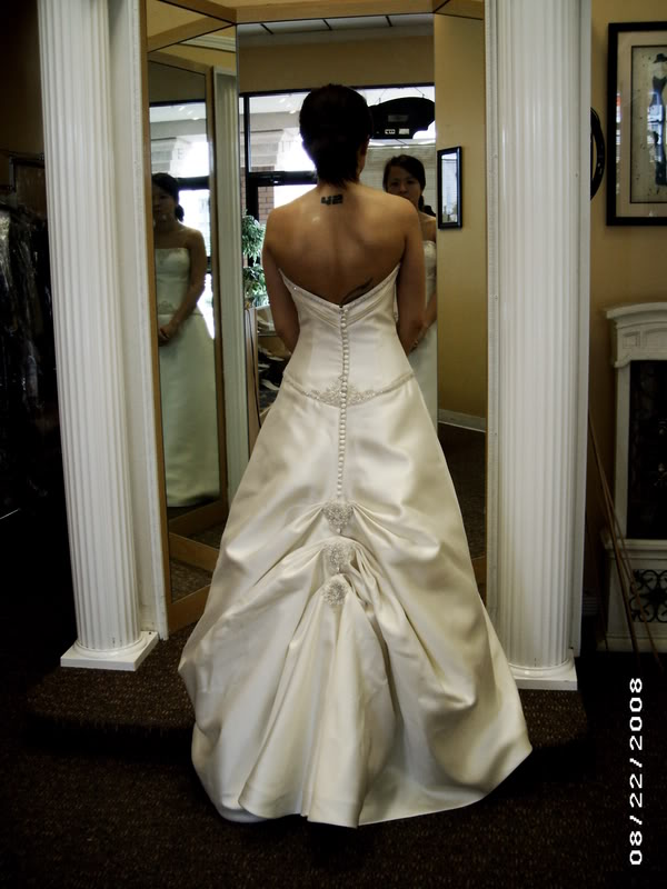 Ribbons and ruffles bustles for Wedding dress train bustle