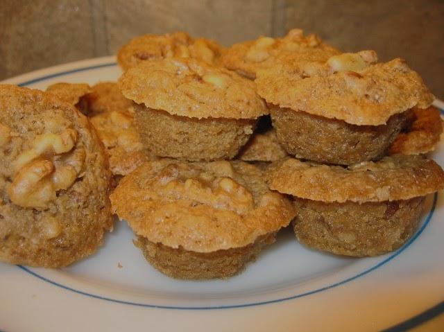 Coleen's Recipes: MAPLE-WALNUT MINI MUFFINS