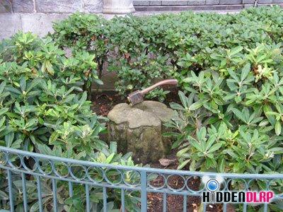 Hidden+mickeys+disneyland
