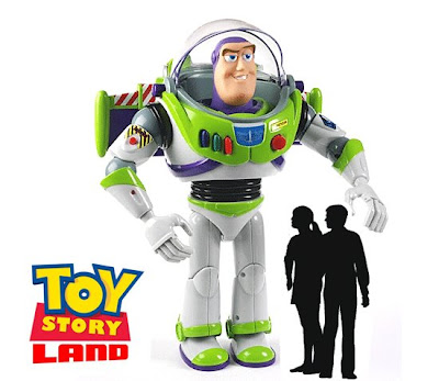 buzz lightyear wallpaper. Giant Buzz Lightyear will