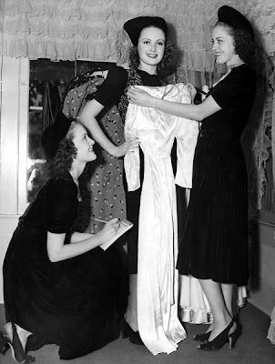 June Lang and the Brewster Sisters.