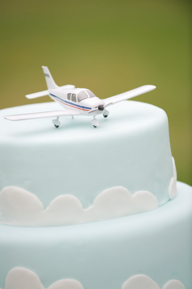 Images Of Plane Cake : Pin Airplane Blue Baby Shower Gift Boy Diaper Cake ...