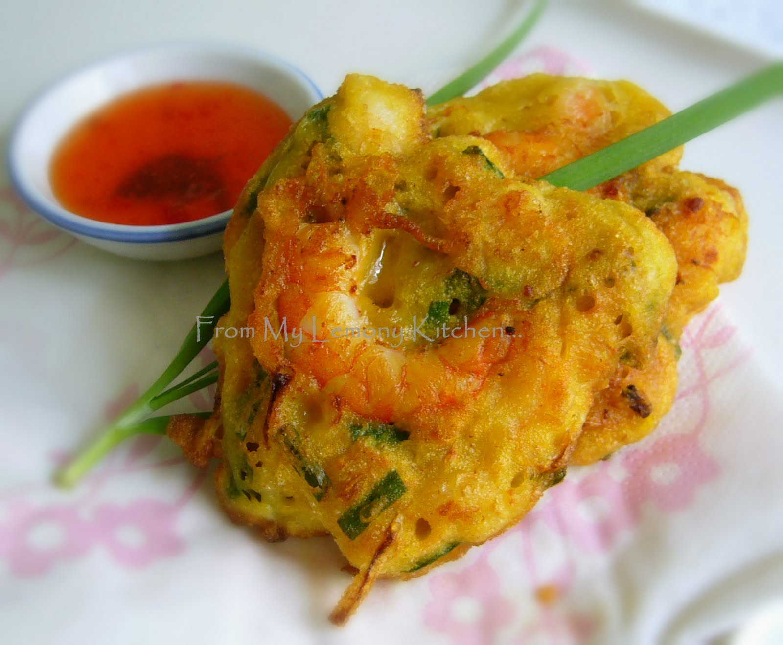 Lisa's Lemony Kitchen ....: Prawn Fritters or Cucur Udang