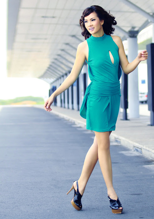 vietnamese singer anh thu new hot images
