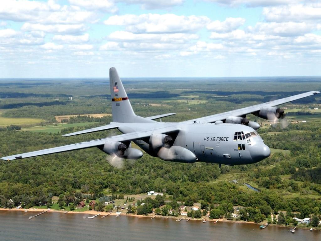http://4.bp.blogspot.com/_OXFSVc_yzVw/SxAJksEbCzI/AAAAAAAAAkk/q8LtoeuFRZw/s1600/USAF-C-130-Hercules-1-1024x768.jpg