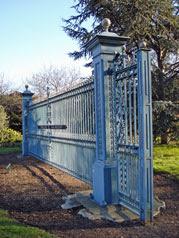 Harland & Wolff gates, Lyle Park