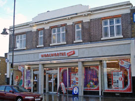 Woolworths, Bow