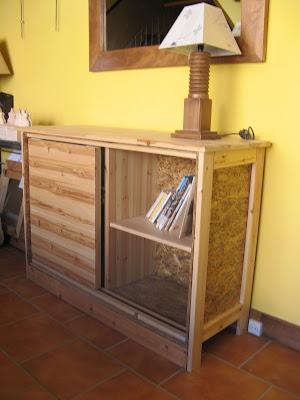 Mueble con puerta corredera artesanos carpinteros - Mueble puertas correderas ...