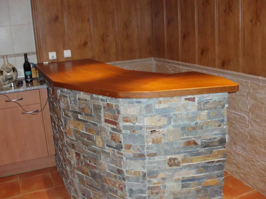 en roble barnizada natural en chalet año 2004 lugar cuarte de huerva