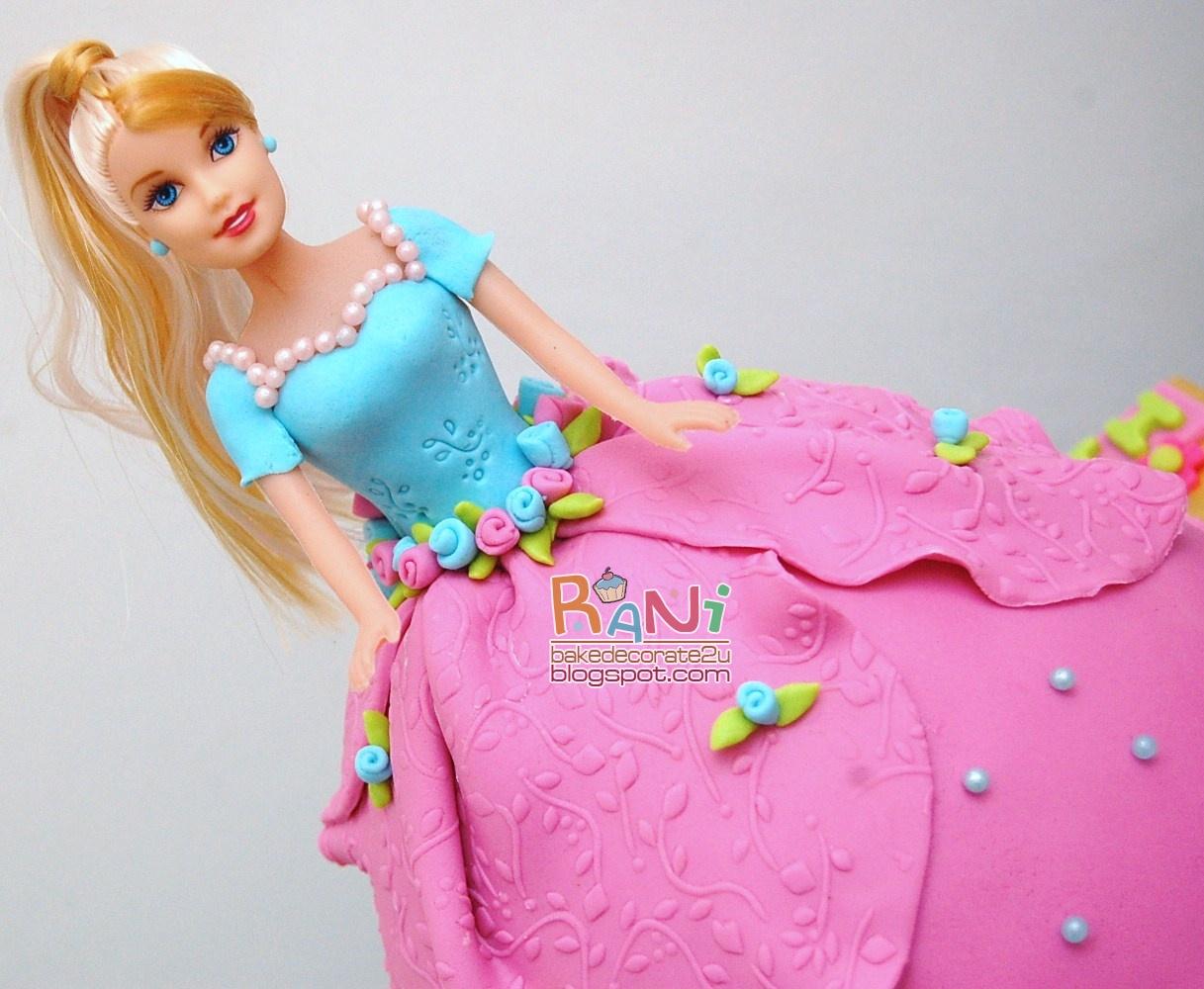 Barbie Fondant Cake Images : Barbie Doll Fondant Cake www.imgkid.com - The Image Kid ...