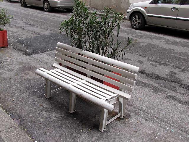 Broken bench, Piazza XX Settembre, Livorno