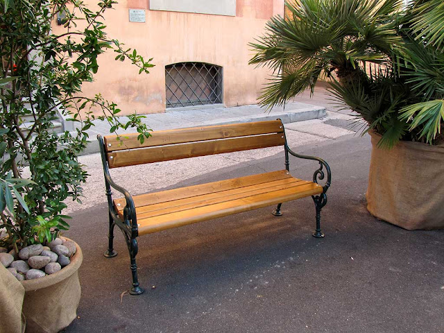 Temporary bench, Port Authority Office, Scali Rosciano, Livorno