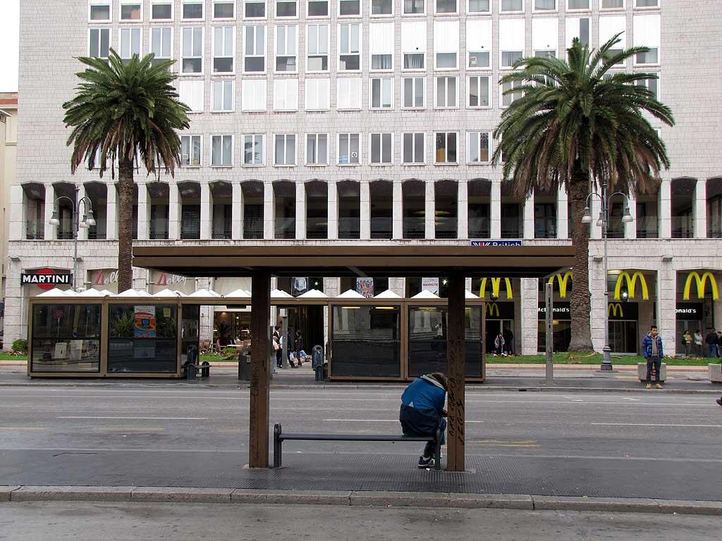 Bus stop, piazza Grande, Livorno