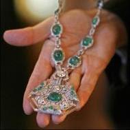 El collar Art Déco de esmeraldas, diamantes y cristal de roca de Anita Delgado en plata y joyas