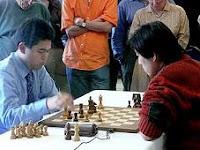 Bu Xiangzhi contra Hikaru Nakamura en la final del VI Gibtelecom Masters de Ajedrez