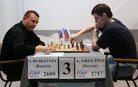 Alexander Grischuk y Sergey Rublevsky jugando el Torneo de Ajedrez de Candidatos 2007